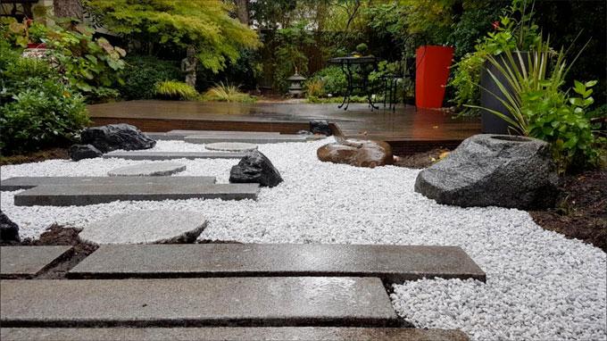 jardin japonais : sous la pluie