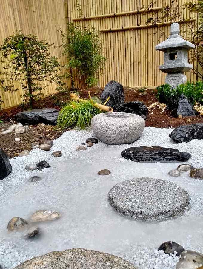 Jardin de thé traditionnel jardin japonais jizo oribe tsukubai fontaine