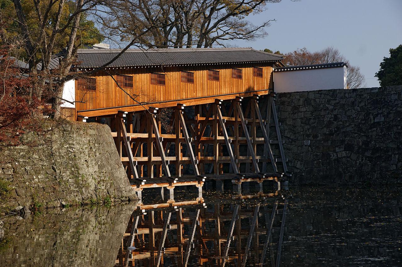 1280px-wakayama_castle_nishinomaru_garden10s4592